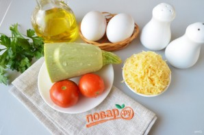 Яичница с кабачками и помидорами - фото шаг 1
