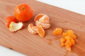 Салат с курицей и мандаринами - фото шаг 5