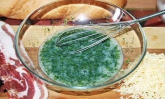 Гренки с сыром и яйцом на сковороде - фото шаг 2