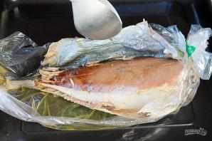 Желтохвост (лакедра), запеченный в рукаве с чесноком и соевым соусом - фото шаг 5