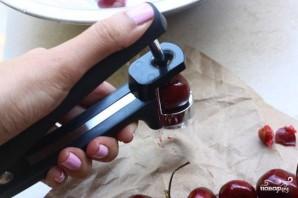 Фокачча с вишней и розмарином - фото шаг 3