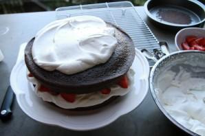 Клубнично-шоколадный торт - фото шаг 7