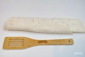 Жареный лаваш с колбасой и сыром  - фото шаг 6