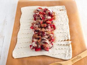 Пирог со сливами из слоеного теста - фото шаг 6