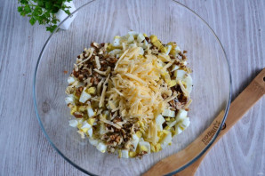 Салат с курицей и шампиньонами - фото шаг 6