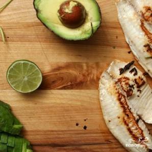 Такос с рыбой и салатом - фото шаг 3