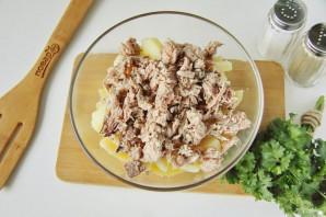 Рыбный салат из консервов с картошкой - фото шаг 3