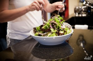 Салат с жареным мясом - фото шаг 10