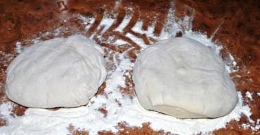 Пицца с креветками и грибами - фото шаг 3