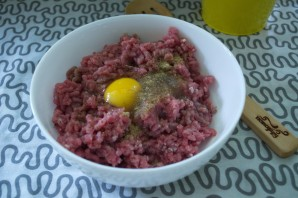 Сырно-мясной рулет - фото шаг 3
