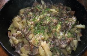 Подберезовики, жареные с картофелем - фото шаг 5