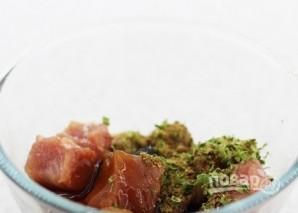 Свинина, тушенная с замороженными овощами - фото шаг 2
