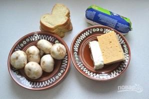 Горячие бутерброды с шампиньонами и сыром - фото шаг 1