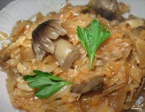 Тушеная квашеная капуста с грибами - фото шаг 4