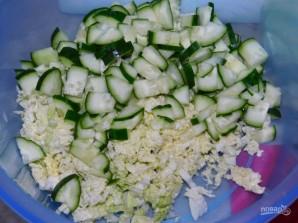 Овощной салат с пекинской капустой и колбасой - фото шаг 2