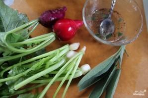 Капустный салат с редькой и шалфеем - фото шаг 5
