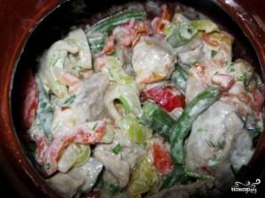 Рагу с мясом и стручковой фасолью в горшочке - фото шаг 8