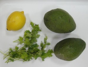 Гуакамоле с кинзой - фото шаг 1
