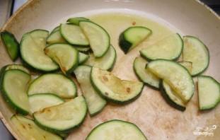 Салат с цукини - фото шаг 3