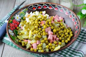 Салат «Оливье» с сосисками - фото шаг 6