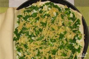 Слоеный пирог с сыром и яйцом - фото шаг 2