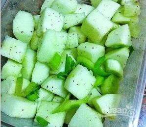 Свинина с яблоками и медом - фото шаг 3