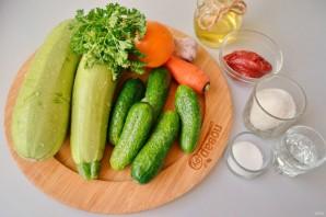 Салат из кабачков и огурцов - фото шаг 1