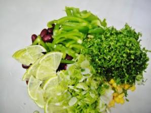 Мексиканский салат с фасолью - фото шаг 3
