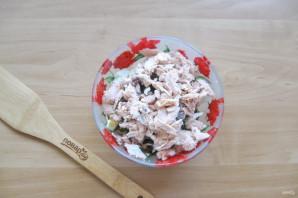 Салат с морской капустой и горбушей - фото шаг 6
