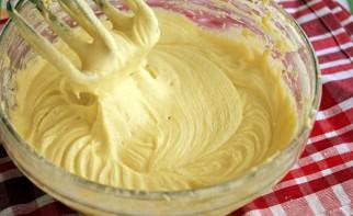 Сливовый пирог перевертыш - фото шаг 3
