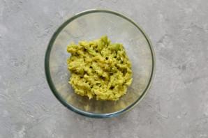 Лодочки из авокадо - фото шаг 3
