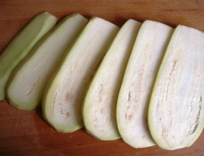 Рулетики из баклажанов с помидорами - фото шаг 1