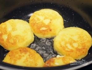 Сырники с адыгейским сыром - фото шаг 7