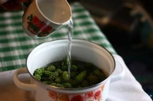 Варенье из зеленых сосновых шишек - фото шаг 1