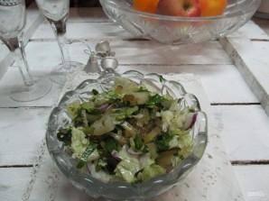 Салат с ананасом и маринованным огурцом  - фото шаг 5