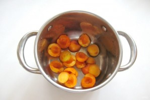 Кисель из вишен и абрикосов - фото шаг 1