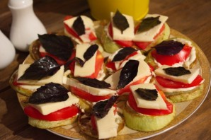 Жареные кабачки с помидорами и сыром - фото шаг 6