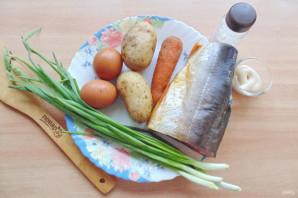 Слоеный салат с копченой горбушей - фото шаг 1