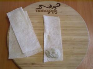 Трубочки из лаваша, запеченные в духовке - фото шаг 4