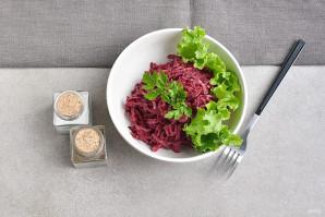 Салат со свежей свеклой - фото шаг 7