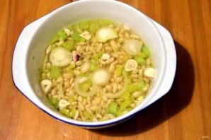 Зимний фасолевый суп с колбасками - фото шаг 1