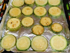 Закуска из кабачков с сыром и чесноком  - фото шаг 2