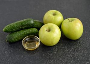 Сок из огурцов и яблок - фото шаг 1