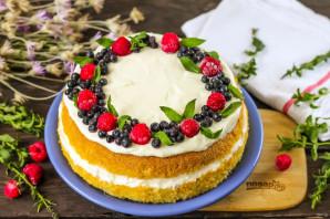 Бисквитный торт с ягодами - фото шаг 8