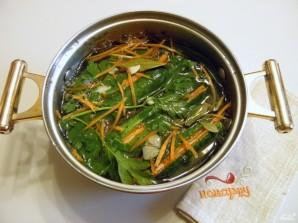 Огурцы маринованные с морковью - фото шаг 6