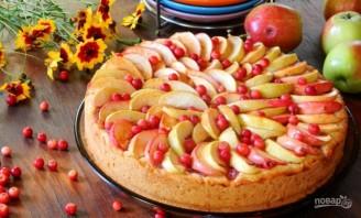Пирог с брусникой и яблоками - фото шаг 9