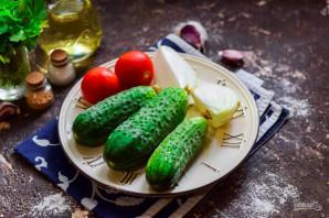 Лечо с помидорами и огурцами - фото шаг 1