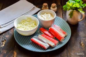 Крабовые палочки с творожным сыром - фото шаг 1