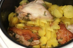 Вкусная картошка с мясом в мультиварке - фото шаг 4