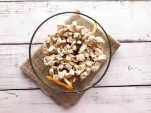 Салат с картошкой фри и курицей - фото шаг 3